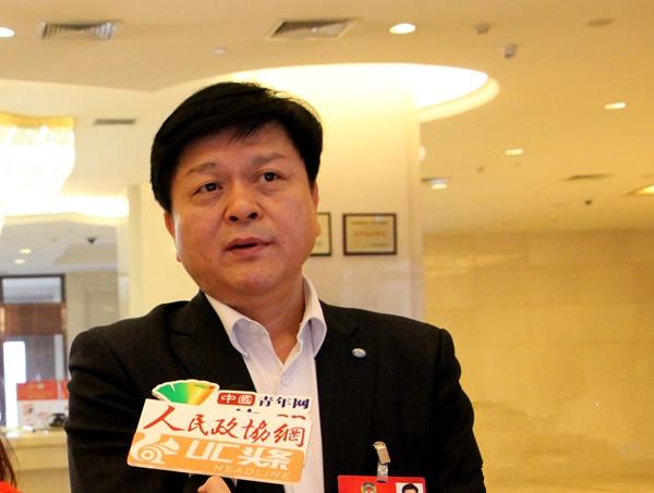 全国政协常委李朋德